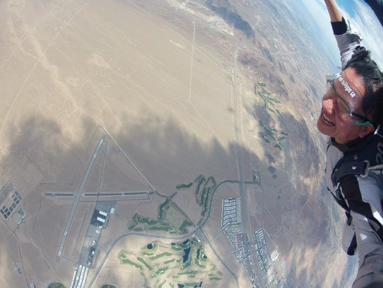 Skydive Las Vegas: Superman...