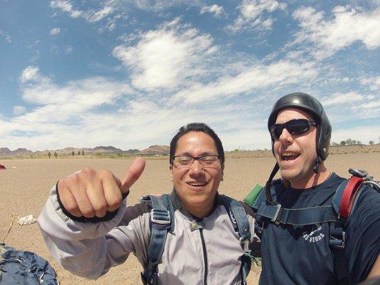 Skydive Las Vegas: Buen trabajo instructor.