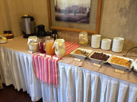 Hotel Rey Don Felipe : Breakfast !!!fresh fruits provided!!