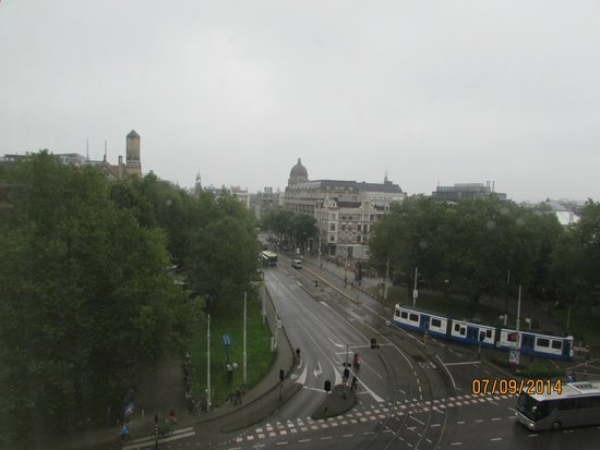NH Amsterdam Centre: Nice view of park...day view.