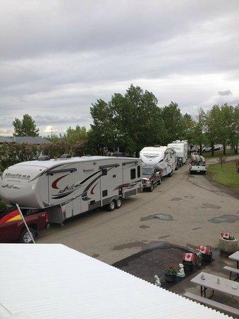 Mountain View Camping: Caravan Arrival, July 2014