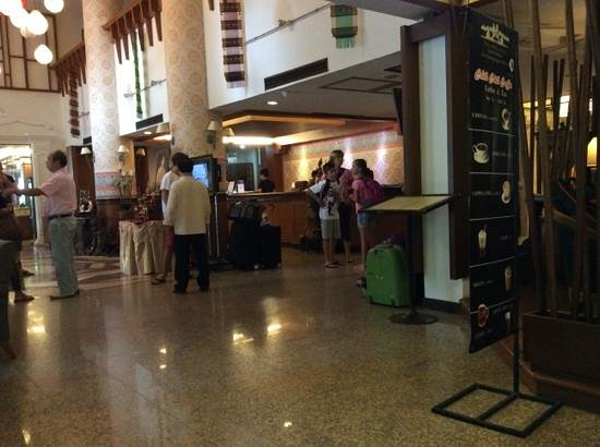 Chiang Mai Gate Hotel : reception