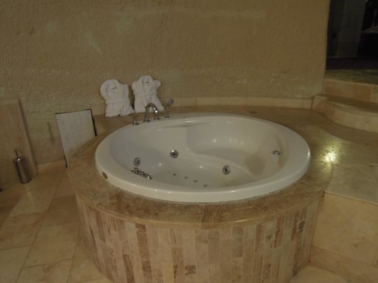 MDC Hotel: Bathtub