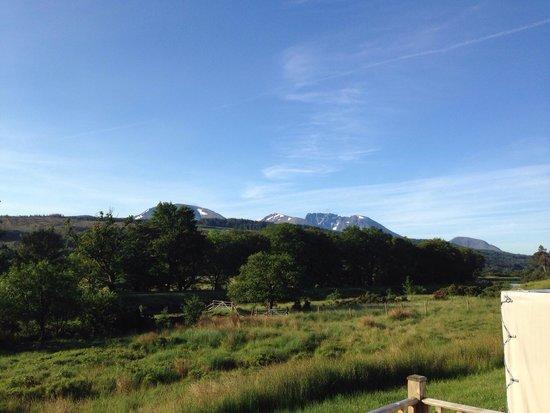 Lochaber Lodges: Blick von der Terasse