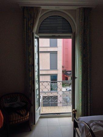 BEST WESTERN Hotel Bellevue Au Lac: Balkon des Exclusiv-Zimmers