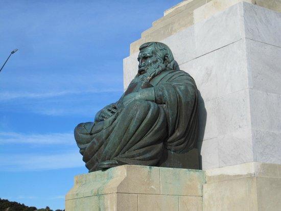 Sculpture on Signal Hill
