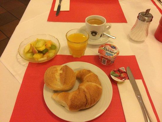 Rheinfelderhof Hotel Restaurant: Petit déj