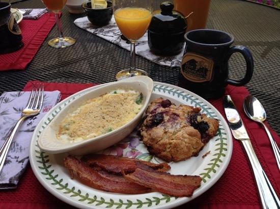 Blue Mountain Bed & Breakfast: breakfast
