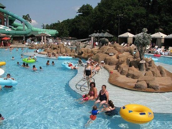 Wilderness on the Lake : Lake Wilderness Outdoor water park