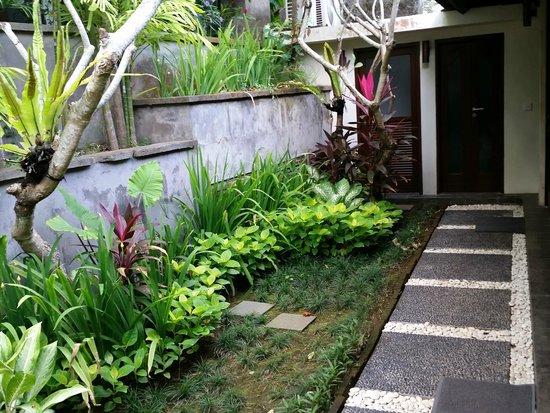 Gending Kedis Villas & Spa Estate : entrance to our villa
