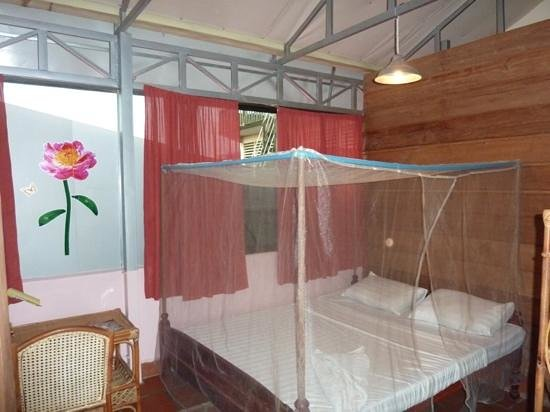 Ganesha Family Guesthouse: room 10