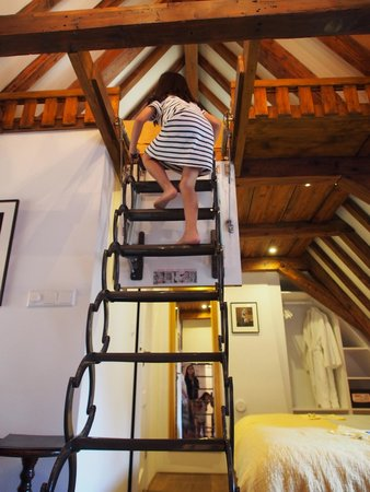 The Weavery Boutique Bed & Breakfast : The staircase to the attic