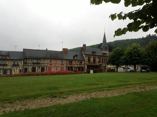 Abbaye du Bec-Hellouin : Village du Bec-Hellouin