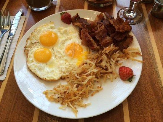 Adam's Mark Buffalo: Breakfast