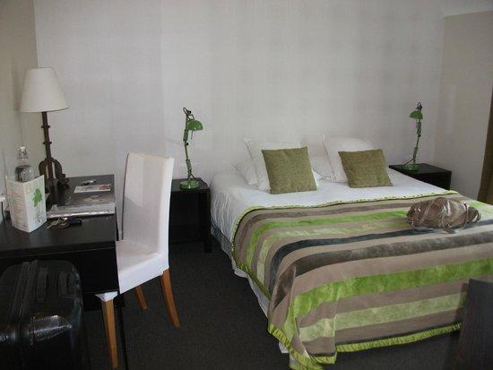 Carnac Lodge & Hotel : lit