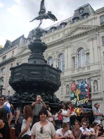 Piccadilly Circus : Aeros