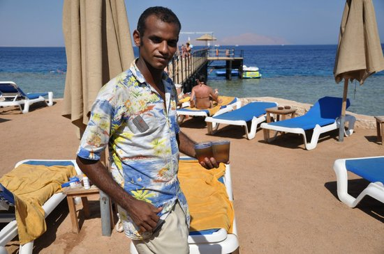 Xperience Sea Breeze Resort: Абас, очень хороший официант