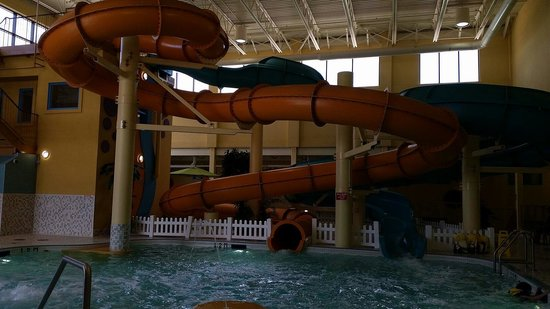 Best Western Plus Port O'Call Hotel : Two slides fun for all ages...