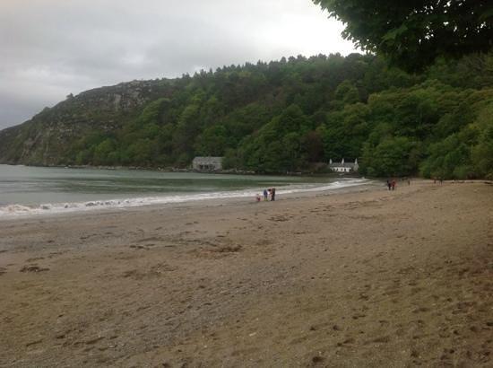 Llanbedrog: quiet day on the beach