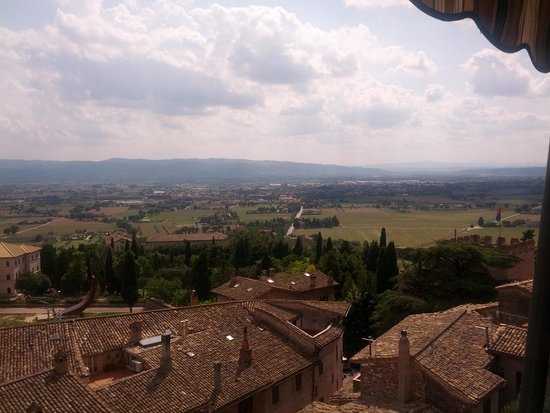 Hotel Giotto Assisi: The view from my room