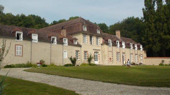 Manoir de Montflambert : view Chambre d'hotes from garden