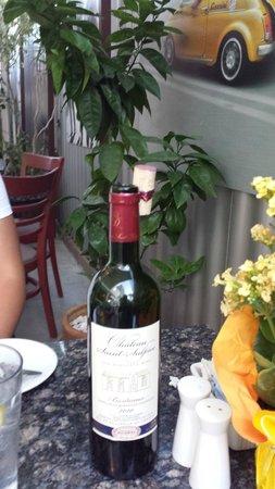 Fabiolus Cucina Italiana Verona: clever wine cork presentation