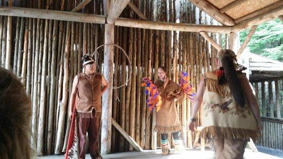 Site Traditionnel Huron: Danse d'acceuil