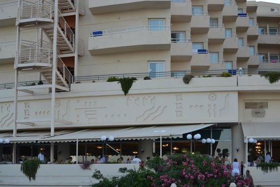 Louis Creta Princess Beach Hotel: Outside Dining