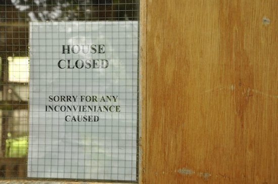 Edinburgh Zoo: Yet another house closed