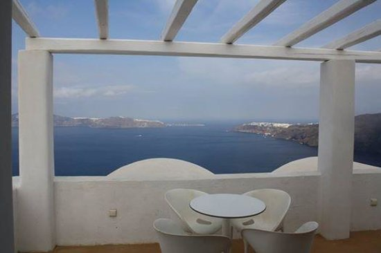 Rocabella Santorini Hotel & Spa: The view from our room!