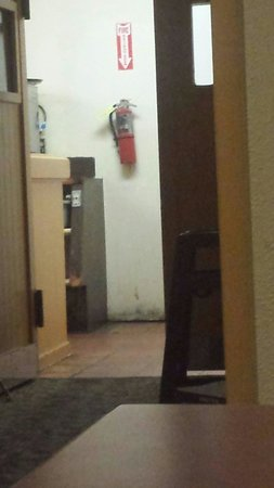 Ramada Fresno North: See rust and rot in kitchen area where they got breakfast plates