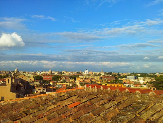 VOI Donna Camilla Savelli Hotel: View of Rome from rooftop trace