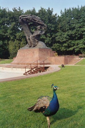Chopin Monument: Chopin Statue