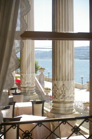 Ciragan Palace Kempinski Istanbul: Dining in the palace proper