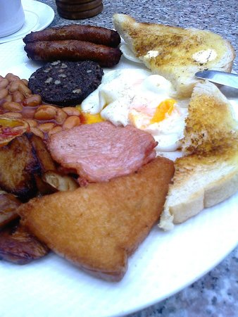 The I-Rovers Sports Bar, Restaurant & Guest House: Breakfast