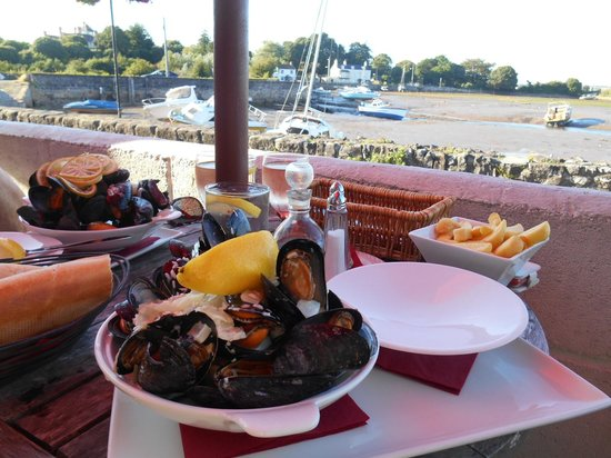 Anchor Inn: Starter sized mussels