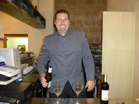 Veneto Palace Hotel: Daniele the friendly barman.