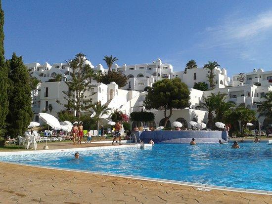Apartamentos Best Pueblo Indalo: vistas desde la piscina principal