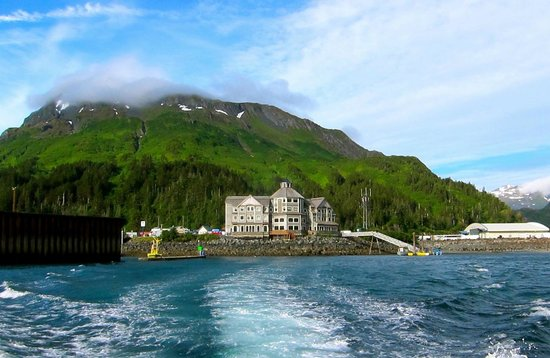 Inn At Whittier: View of the haunted house as you leave the harbor