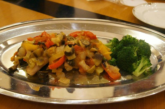 Sirene, Hotel Clement Uwajima Sirene: 唯一の肉料理☆