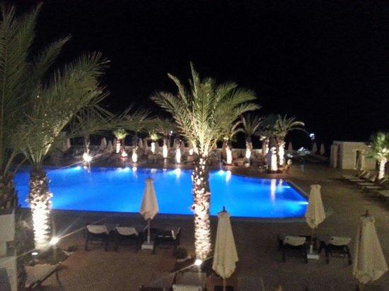 Radisson Blu Resort & Thalasso : pool @night