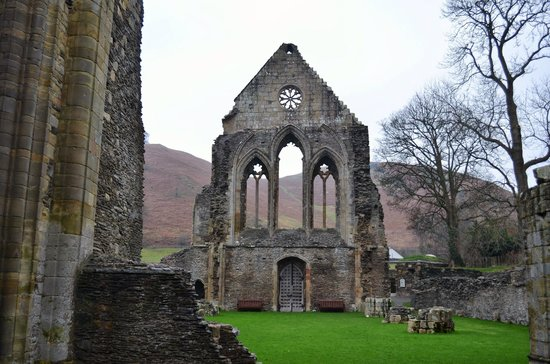 Valle Crucis Abbey: The Abbey