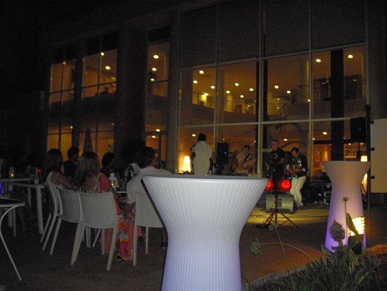 Hotel Bonalba Alicante: Buen espectáculo días 1 y 2 de agosto