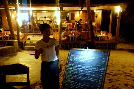 Beachlounge - Thong Sala : waitress