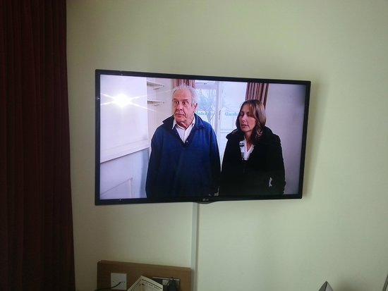 pentahotel Birmingham: The telly is now fixed !