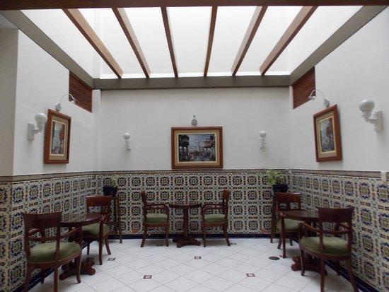 Hotel San Antonio Abad: sitting area