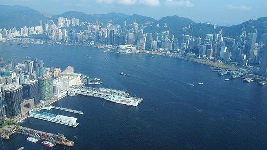 The Ritz-Carlton, Hong Kong: Window seat view from Cafe 103
