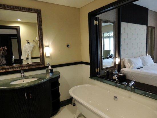 Le Meridien Ile Maurice: Bathroom