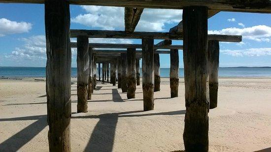 Kingfisher Bay Resort: McKenzie's jetty