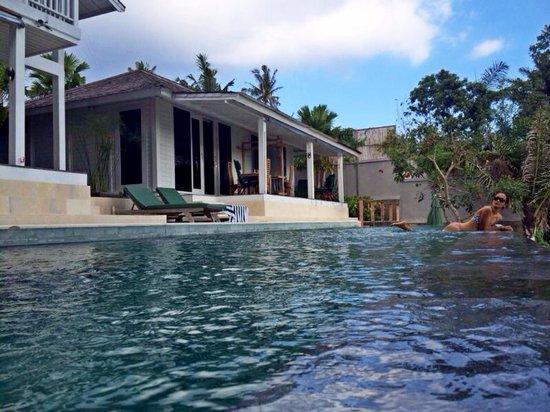 Villa le jardin de bali reviews sukawati indonesia for Les jardins de bali